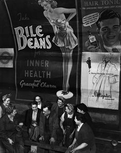 vintage everyday: 31 Gorgeous Photos of The London Underground in the and Vintage Pictures, Old Pictures, Old Photos, Vintage London, Old London, London City, Blitz London, London Underground, Friedrich Dürrenmatt