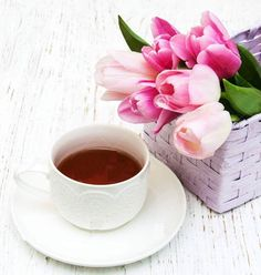 Nadire Atas on Cafe , Tea, Desserts and Lovely Flowers Ladies Who Lunch Coffee Vs Tea, I Love Coffee, Coffee Cafe, Coffee Drinks, Good Morning Coffee, Coffee Break, Morning Mood, Tea And Books, Breakfast Tea