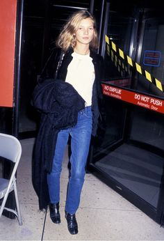 Kate Moss rocking the ultimate '90s simplicity in 1994 // #Celebrity #Throwback