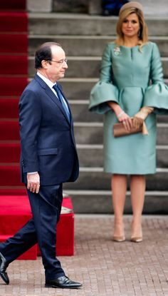 King Willem-Alexander and Queen Maxima of the Netherlands welcome the visiting President of France Francois Holland 1/20/14