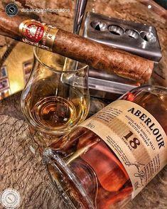 Cigars & Whiskeys - 📸 from . Good Cigars, Cigars And Whiskey, Scotch Whiskey, Bourbon Whiskey, Rum, Whiskey Room, Cigar Accessories, Cigar Bar, Cigar Room