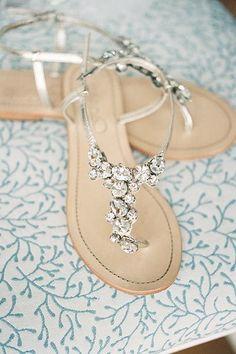 Sandali bassi con particolari pietre