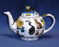 2-Cup Novelty Teapot in Gift Box FDA Approved Microwave & Dishwasher Safe Designed in England ~ Manufactured in Asia