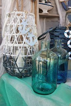 Πλεκτά φανάρια διακοσμημένα με θαλασσινά στοιχεία και γυάλινα βάζα ιδανικά για διακόσμηση. #summerdecoration #DIY #καλοκαιρινη_διακοσμηση #barkasgr #barkas #afoibarka #μπαρκας #αφοιμπαρκα #imaginecreategr