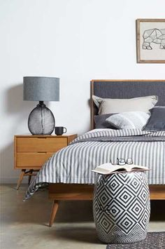 mid century modern bedroom - Bedroom decor ideas #MidCenturyBedroom #BedroomDecor
