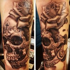 Eric Marcinizyn #blackandgrey #tattoo #shading #skull #flower #rose