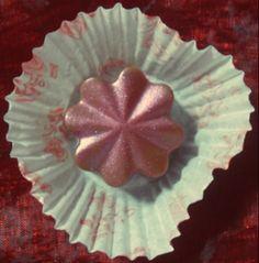 Bonti flor de chocolate de leite com avelãs