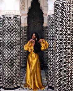 The 40 Best Places To Take Pictures In Marrakech Sidewalker Daily Black Girl Fashion Daily Marrakech PICTURES places Sidewalker Black Women Fashion, Look Fashion, Fashion Beauty, Womens Fashion, African Women, African Fashion, African Style, Ankara Fashion, Mode Outfits