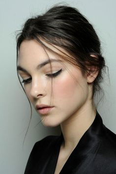 clean skin with just a clean eye liner. love this look. works for work or play #freshface #dermorganic