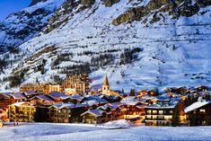 Romantic Destinations, Romantic Getaways, Travel Destinations, Best Ski Resorts, Best Hotels, Ski Europe, John Constable Paintings, Lakeside Cabin, Viajes