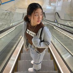 Cute Swag Outfits, Trendy Outfits, Fashion Outfits, Aesthetic Images, Aesthetic Girl, Street Wear, Super Cute, Style Inspiration, Poses
