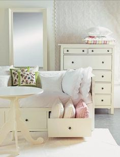 Ikea girls room - super classy, love the drawers under the bed, perfect for storing extra bed items and night wear.