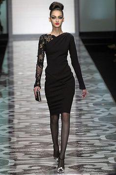 Valentino Fall 2007 Couture Fashion Show - Bruna Tenorio