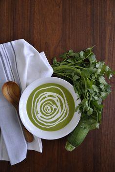 Simple comme le velouté de courgettes et persil plat de Colours Kitchen