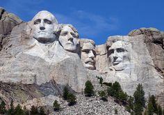 Mount Rushmore i USA er helt særlig med de fire præsidenters ansigter hugget ud i sten.