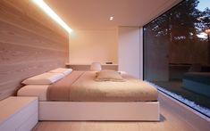 very even light wood . Dinesen trägolv - Inspiration för väggbeklädnad