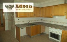 Apartamento T3 localizado na freguesia do Carregado e concelho de Alenquer, com 106 m2. Situa-se em zona central do carregado - Edifício Centro. Zona essencialmente residencial e com comérci...