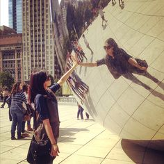 20120929 - Greeting the Chicago Bean