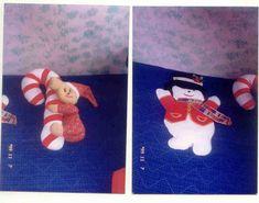 Hermoso baston de navidad con un raton, y el hombre de nieve realizados en fieltro para colgar en la puerta de entrada. para mis hijos.