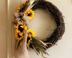 Super Easy DIY Fall Wreath, this would be super cute with gerber daisies!!