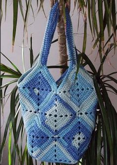 Crochet Bag Free Pattern beginner friendly Crochet Projects that are quick and easy and they are perfect for taking to the local shops or the market.