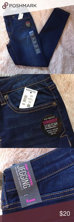 "NWT high waisted jegging NWT dark wash Aeropostale high waisted jeggings. Size 4SHORT. Currently 5 pairs available. Inseam 27"" Ankle Opening 4.75"" Aeropostale Jeans"
