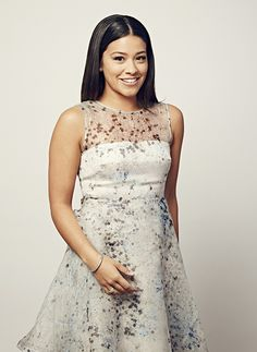 Gina Rodriguez - Photos - PeoplesChoice.com - Love her dress! Bold And The Beautiful, Looking Gorgeous, Beautiful People, Beautiful Ladies, Stunning Women, Absolutely Stunning, Most Beautiful Hollywood Actress, Gina Rodriguez, Jane The Virgin