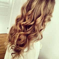 THATS IT!!...Would someone please explain to me how to get curls like these?!?....whenever I try to do headband curls the front turns out fine....but the back NEVER CURLS!!