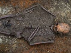 Anglo-Saxon princess unearthed south of Cambridge. (via independent.co.uk)