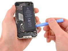 cambio bateria iphone 4s http://naranjacenter.es/tutoriales/guia-de-reparaciones/cambio-de-bateria-iphone-4s/