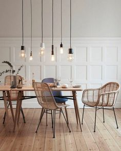 Beautiful Scandinavian Dining Room Design Ideas - This short article includes a number of quick suggestions to look for when scouting for the seating for your dining area in your house. Dining Room Design, Dining Room Table, Dining Rooms, Wood Table, Dining Room Lighting, Design Moderne, Room Decor, Home, Design Ideas