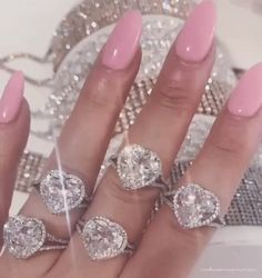 Animated gif about gif in jewellery by elodomi🐼🐼 aesthetic gif Animated gif about gif in jewellery by elodomi🐼🐼 Badass Aesthetic, Boujee Aesthetic, Aesthetic Movies, Bad Girl Aesthetic, Aesthetic Images, Aesthetic Videos, Aesthetic Grunge, Aesthetic Vintage, Aesthetic Iphone Wallpaper