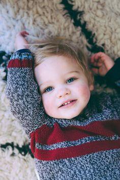 1000 bilder zu jungen mit blonde haare auf pinterest kleine jungs junge frisuren und s e jungs. Black Bedroom Furniture Sets. Home Design Ideas