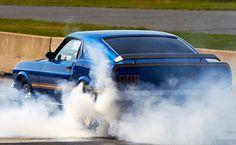 69 mach 1 Mustang Burnout.