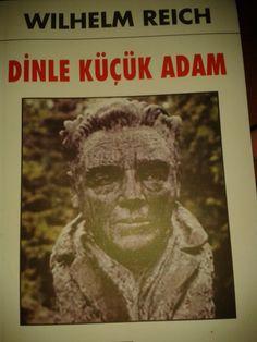 """Hier schlage ich Euch ein Buch vor. Das Buch heißt """"Dinle Küçük Adam"""" und der Autor heißt Wilhelm Reich und kommt aus Deutschland. Das Buch finde ich sehr spannend und interessant! Welches Buch lest ihr gerade, oder mögt ihr Krimis oder Abenteuerroman? Robinson Crusoe ist ein Beispiel für Abenteuerroman? Wer ist euer(e) Lieblingsautor(in)?"""