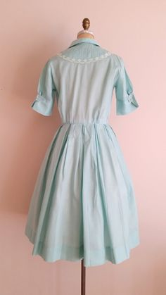 Vintage 1950s Cotton Day Dress / Light by ThriftyVintageKitten