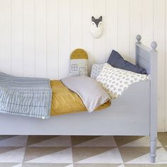 Camomile London bedding collection available at PEEKANDPACK.COM