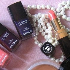 I'm dragging out the lingering reminance of my Chanel until paydays are more consistent lol