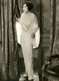 maudelynn:   ~Florence Vidor c.1929~