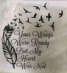 . Noch immer gilt die Fehlgeburt, also der Tot eines ungeborenen Kindes, als eine der schmerzhaftesten und traumatischsten Erfahrung, die Eltern machen können. Oft versuchen die Trauernden ihren Verlust mit einem Tattoo zu verarbeiten, denn auch wenn das ungeborene Kind nie wirklich auf dieser Welt…