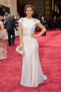 Maria Menounos in a crystal-studded column on the Oscars red carpet. #AcademyAwards