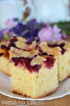 Ciasto drożdżowe z malinami, miękkie, puszyste, delikatne, maślane z kruszonką. Dobry, stary przepis babci, który zawsze się udaje. Cheesecake, Cooking Recipes, Sweets, Food, Backen, Sweet Pastries, Meal, Cooker Recipes, Gummi Candy