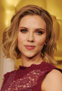 More Pics of Scarlett Johansson Short Wavy Cut
