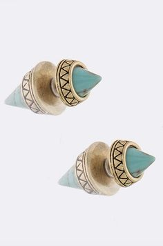 These Cone Double-Sided Earrings have a smaller spiked stud in the front and a larger cone shaped stone that rests behind your earlobe. Etched silver or gold tops off the look to create the perfect ea Cute Jewelry, Jewelry Crafts, Jewelry Box, Jewelery, Jewelry Accessories, Fashion Accessories, Double Sided Earrings, Love Ring, Cute Earrings