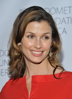 Bridget Moynahan------Bridget Moynahan is an American actress and model. She graduated from Longmeadow High School, in Massachusetts, in 1989 and began pursuing a career in modeling.  Born: April 28, 1971 (age 44), Binghamton, NY-