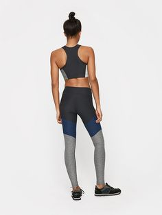 Color blocked leggings are the newest workout trend we are obsessing over.