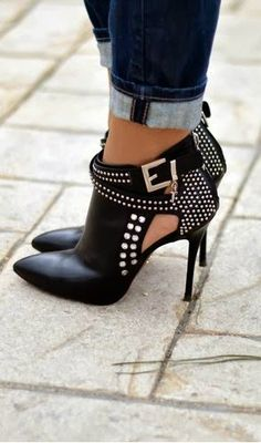 Only thing I would change is the pointyness on the toes.. But seriously, gorgeous heels!!