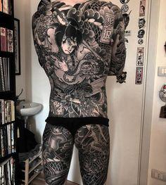 Search inspiration for a Japanese tattoo. Japanese Back Tattoo, Japanese Sleeve, Japanese Tattoos, Backpiece Tattoo, Irezumi Tattoos, Full Body Tattoo, Body Art Tattoos, Tatoos, Alone Tattoo