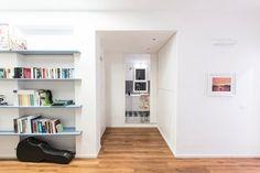 Gli spazi sfruttati al massimo e gli ambienti resi vivibili attraverso la configurazione di spazi ampi e flessibili L'intero progetto si sviluppa attorno al blocco centrale che ne diventa il nucleo e che permette di liberare il perimetro...