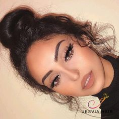 So pretty and natural hair bun. it is by 360 lace frontal wig body wave. - - So pretty and natural hair bun. it is by 360 lace frontal wig body wave. Hair wig So hübsches und natürliches Haarknoten. Prom Makeup Looks, Natural Makeup Looks, Cute Makeup Looks, Natural Prom Makeup For Brown Eyes, Natural Color Contacts, Light Makeup Looks, Natural Everyday Makeup, Makeup Looks For Brown Eyes, Nude Makeup